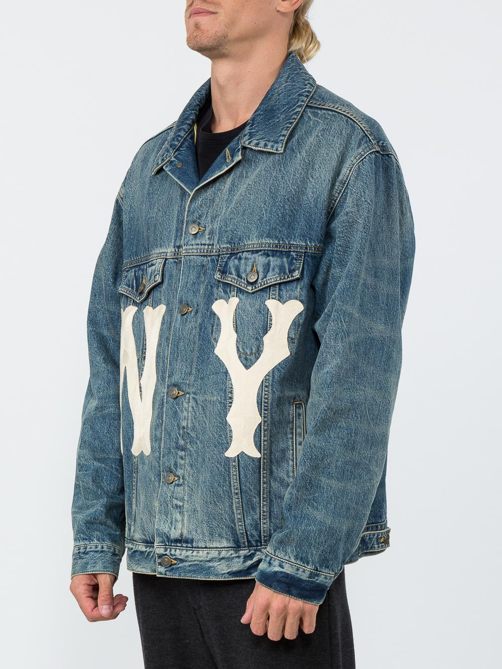 319ca245935ee Blue Men s Denim Jacket With NY Yankees  Patch by Gucci buy at ...